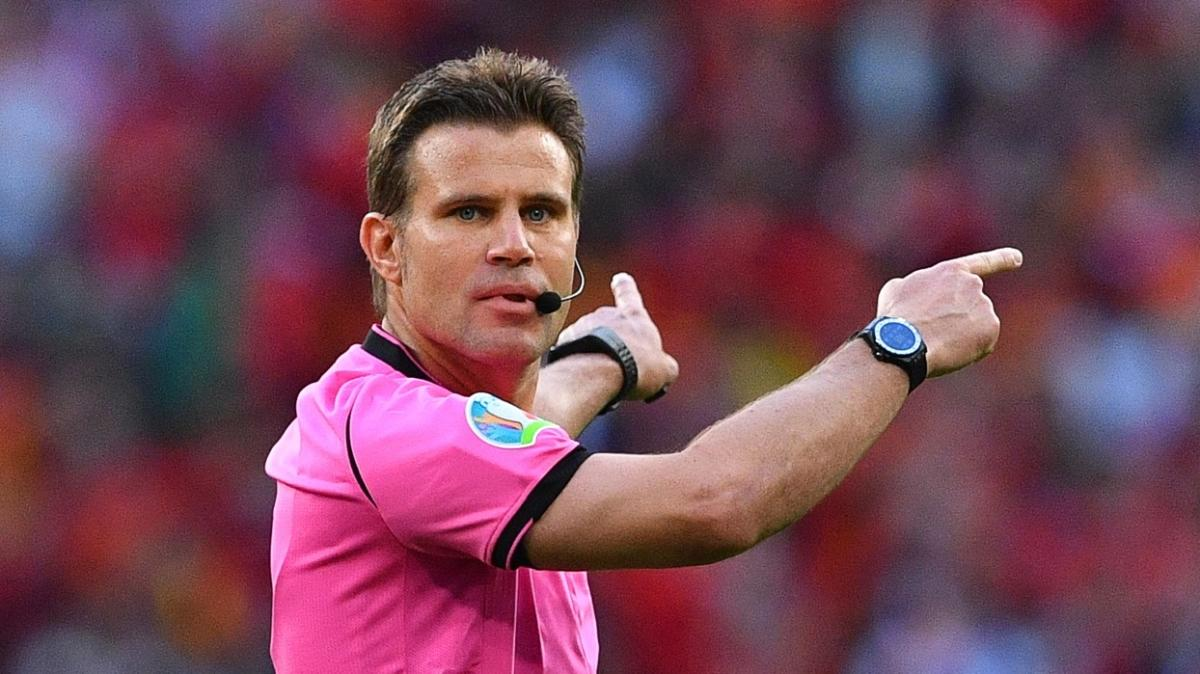 Türkiye-Norveç maçının hakemi Felix Brych oldu