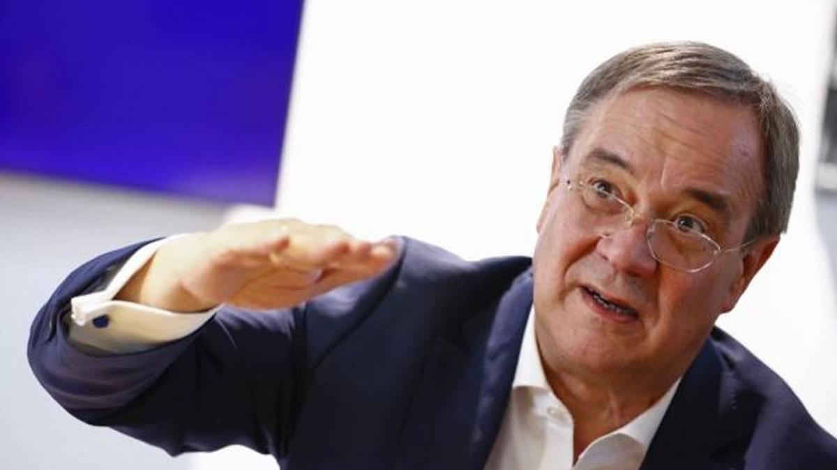 Almanya'da Hristiyan Demokrat Birliği liderinden istifa