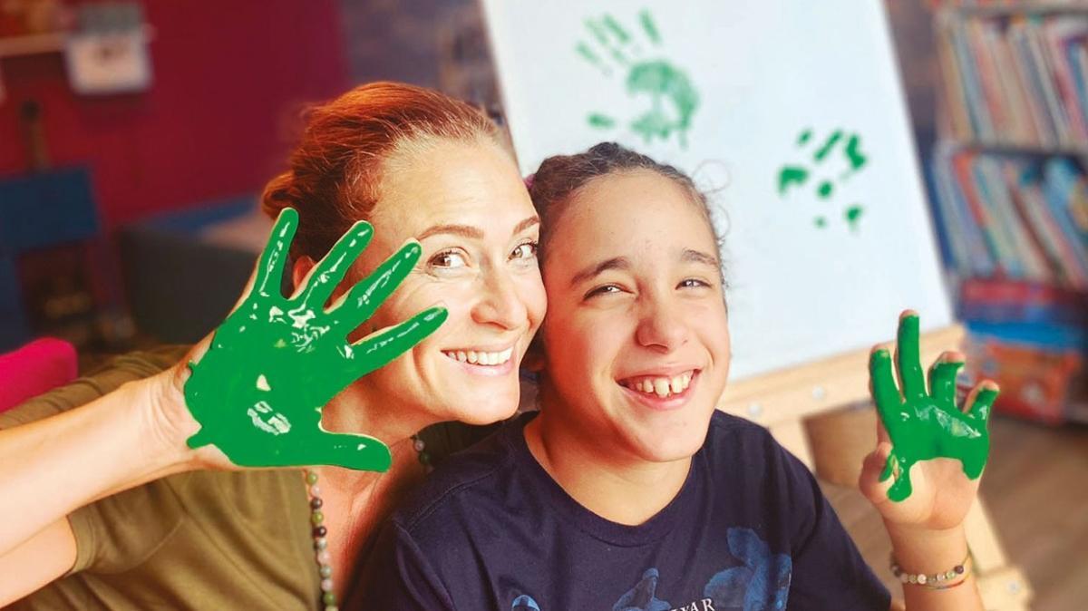 Ceyda Düvenci ve kızı Melisa'dan anlamlı destek!