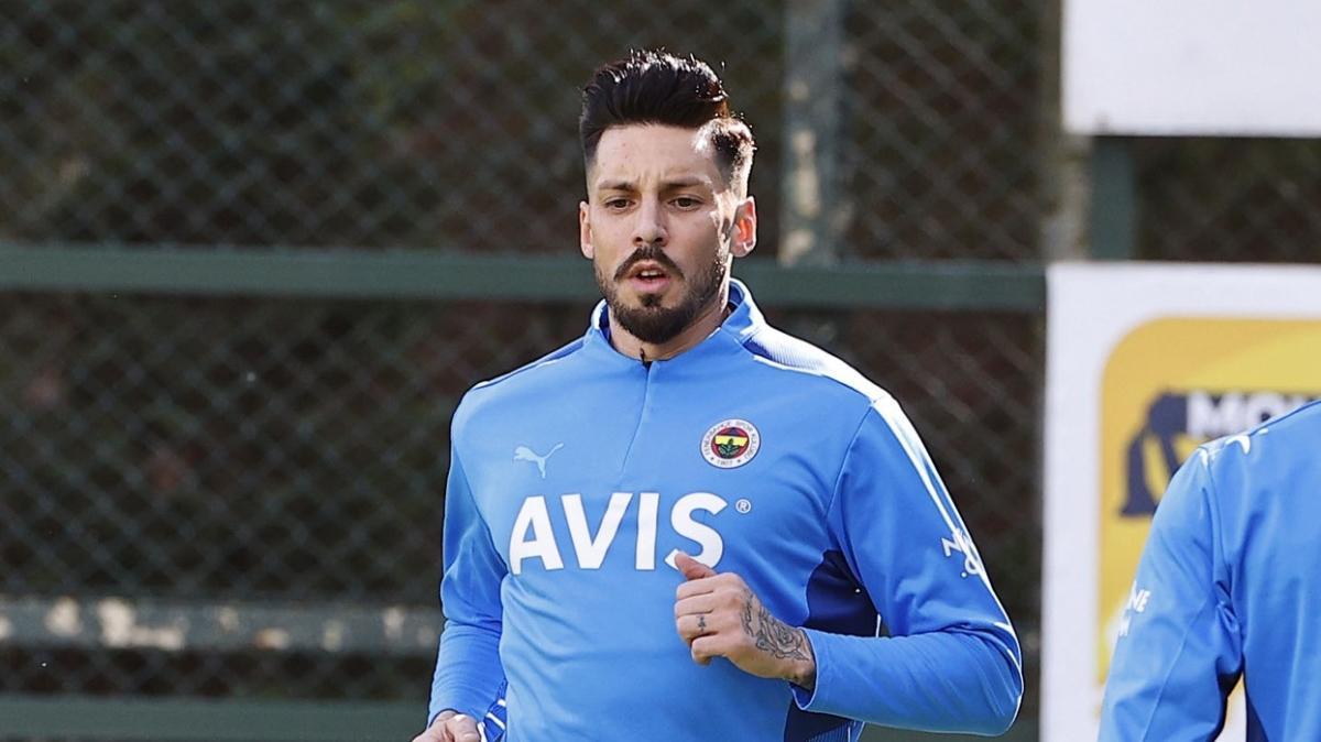 Fenerbahçe'de Jose Sosa ve İrfan Can Kahveci gelişmesi