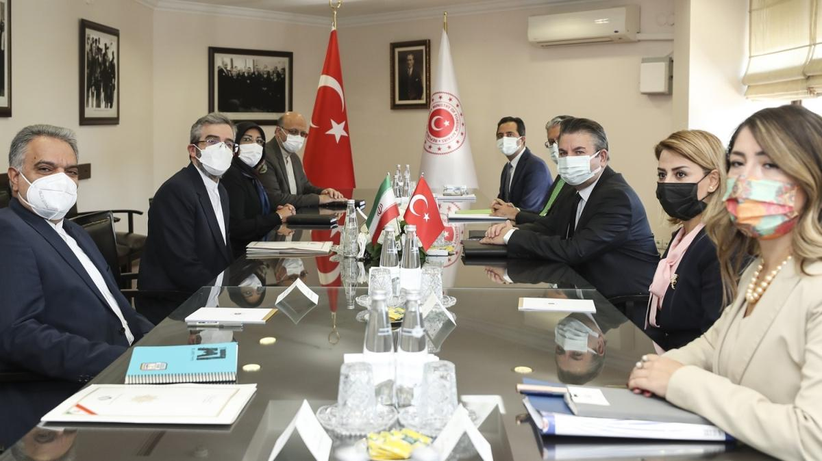 Türkiye ile İran arasında bölgesel ve uluslararası istişarelerde bulunuldu
