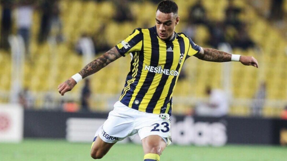 Van der Wiel: 'Fenerbahçe'de başkan tarafından tehdit edildim'