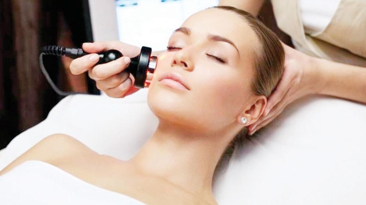 Yazın olumsuz etkisini cildinizden silmenin tam vakti!