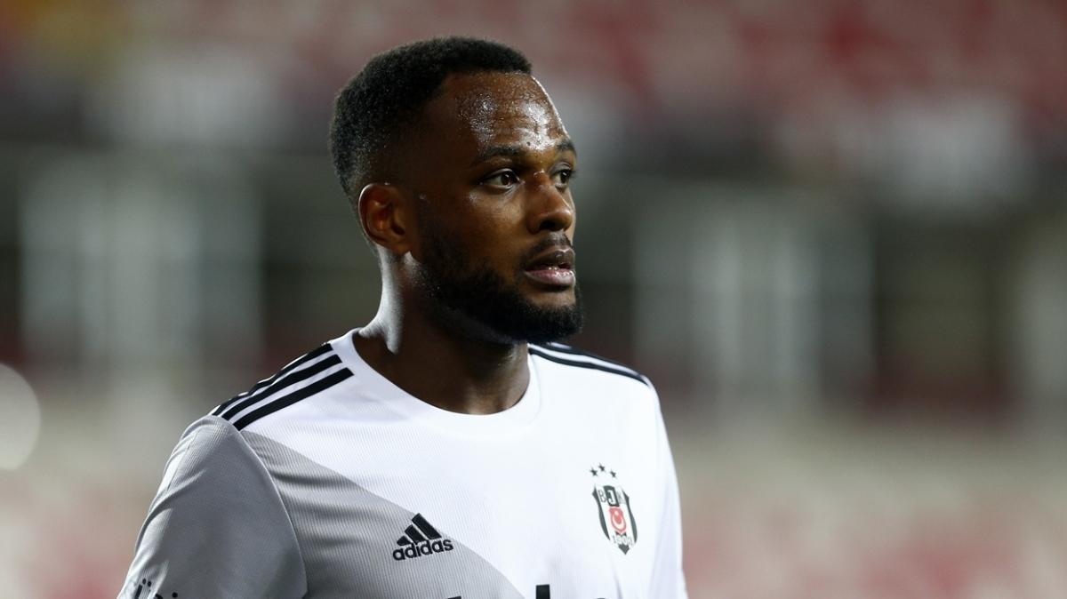 Beşiktaş'ın henüz anlaşamadığı Cyle Larin'e 2 talip