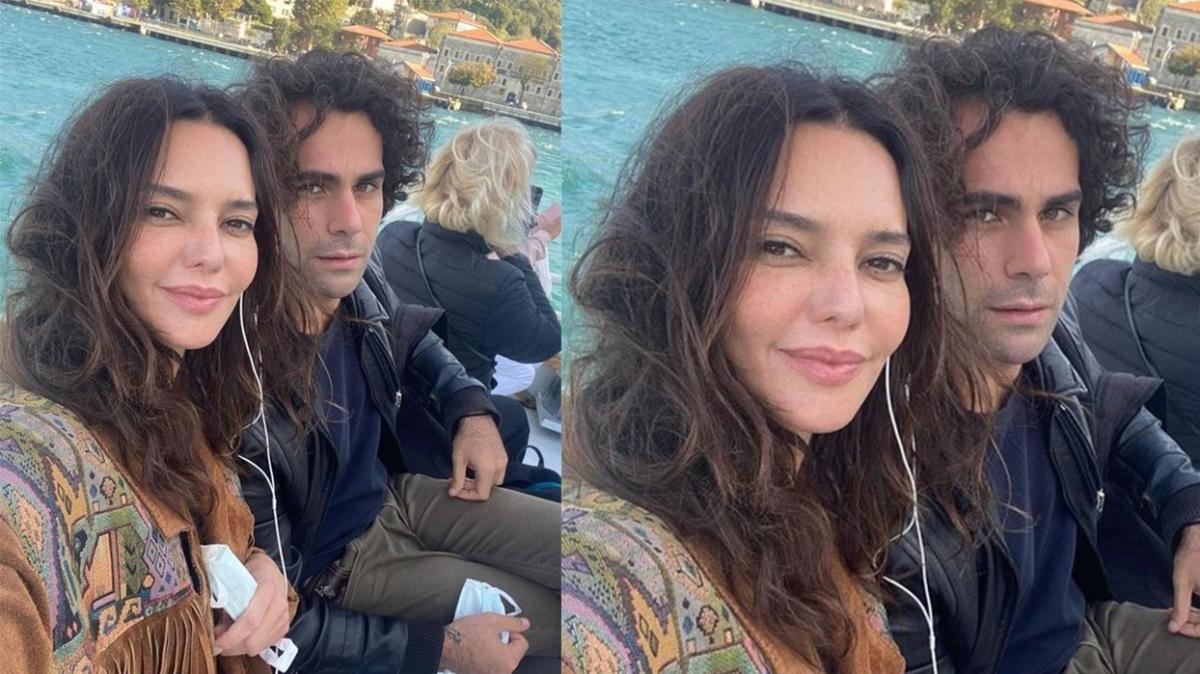 Hande Ataizi'den sevgilisi Dinç Aydoğdu ile vapur selfiesi