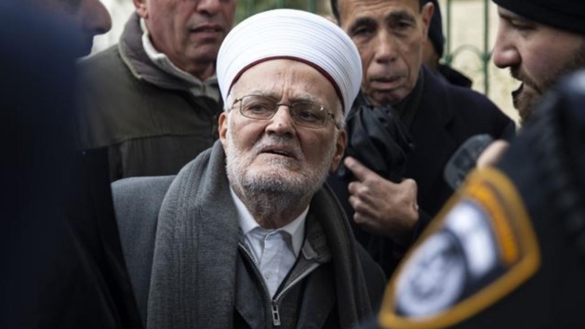 İsrail güçleri Mescid-i Aksa İmam Hatibi Şeyh Sabri'yi gözaltına aldı
