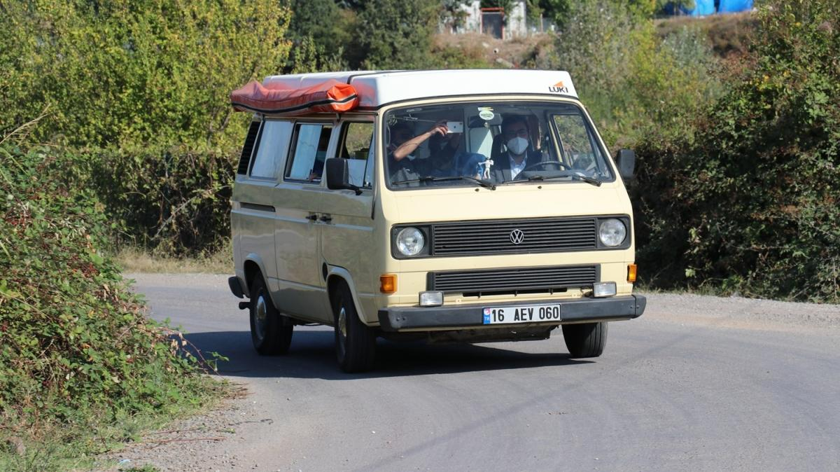 """Nostaljik minibüs """"Fahriye""""den aşılamaya destek"""