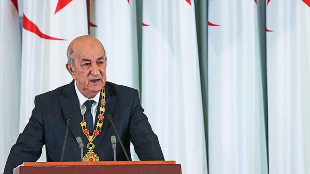 """Cezayir Cumhurbaşkanı Tebbun: """"4 bin kişiyi camide infaz ettiler"""""""
