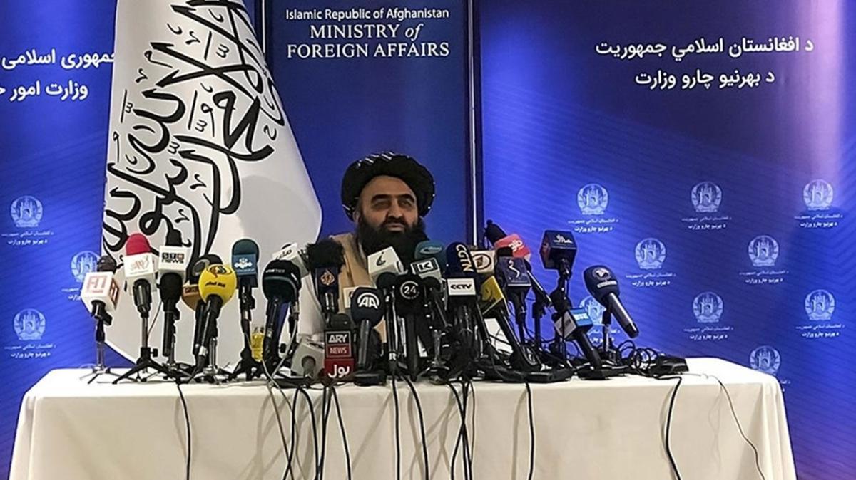 Taliban, dünya ülkelerinin Afganistan'ın iç işlerine karışmasını istemiyor