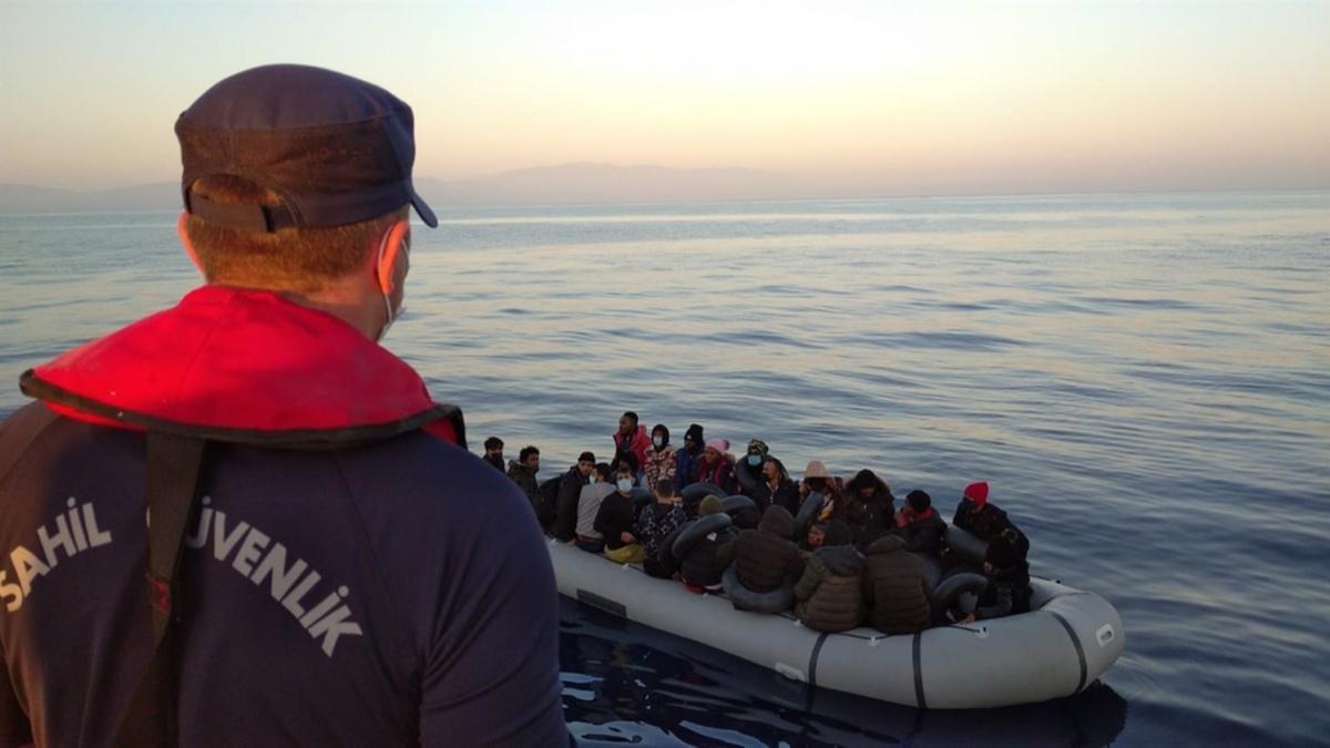 Yunanistan unsurlarınca geri itildiler... 213 düzensiz göçmen kurtarıldı