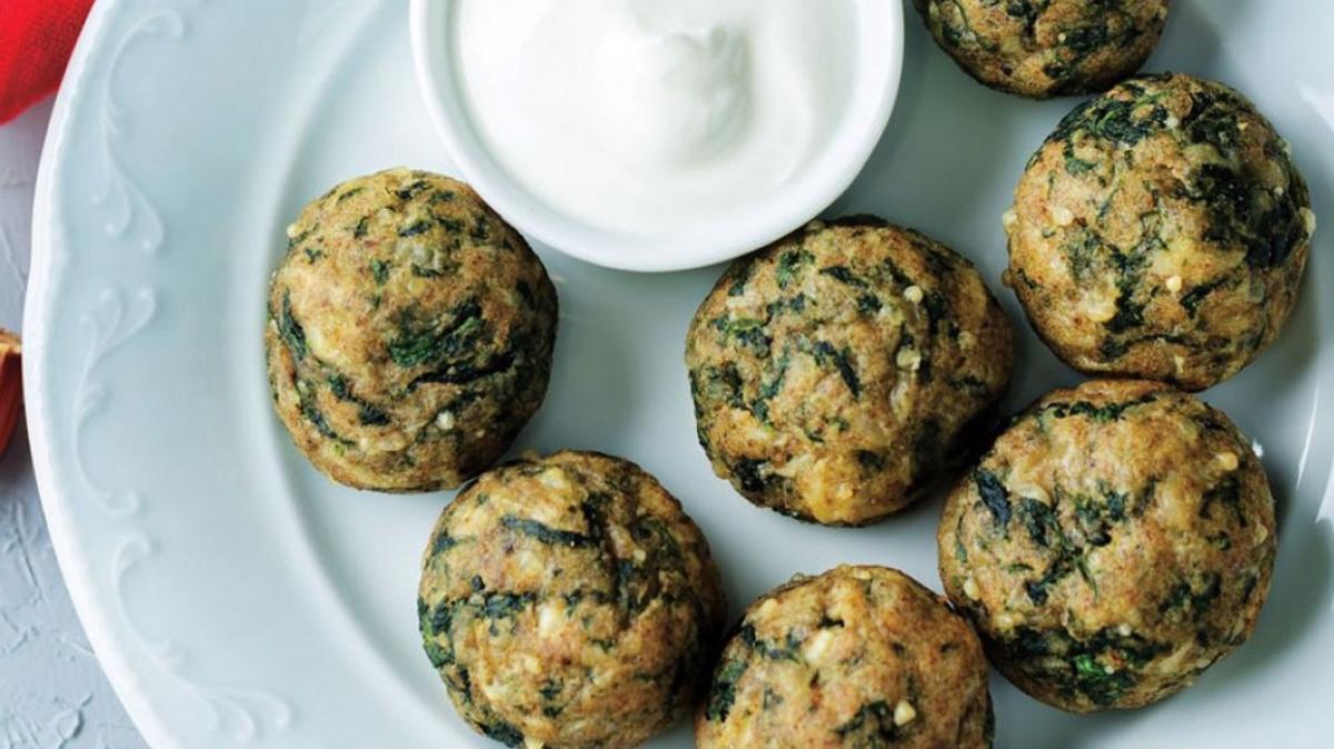 """Ispanak topları tarifi, malzemeleri ve püf noktası! Gelinim Mutfakta ıspanak topları nasıl yapılır"""""""