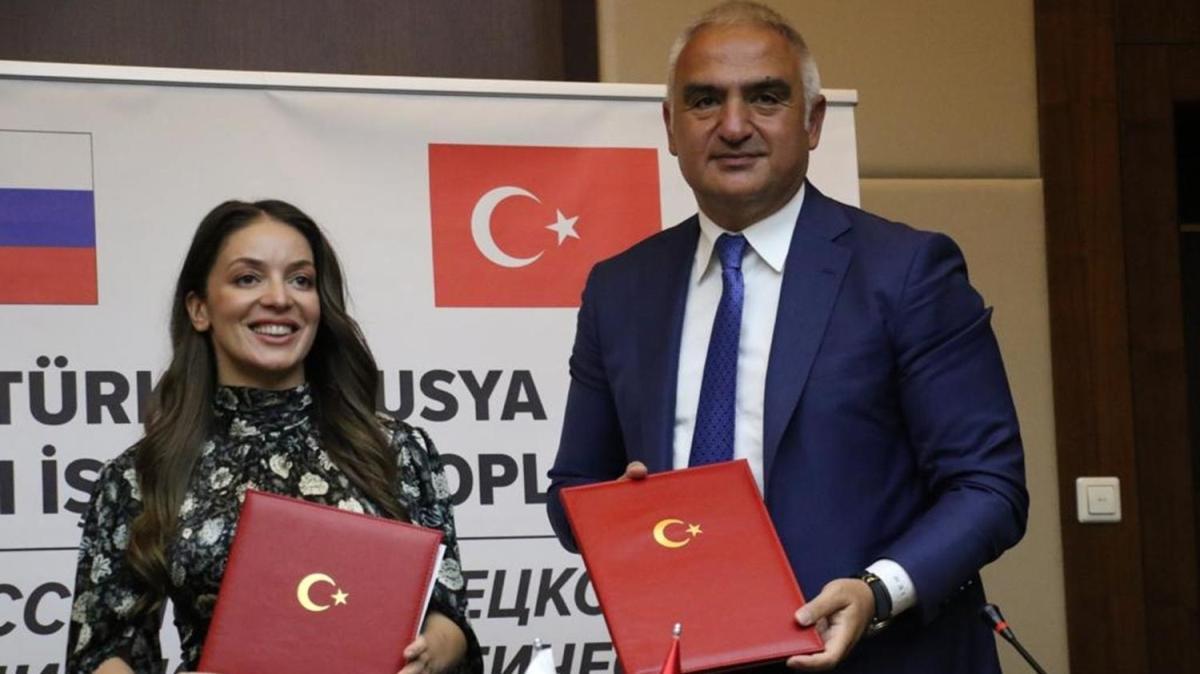 """Türkiye ile Rusya arasında """"Ortak Turizm Eylem Planı"""" imzalandı"""