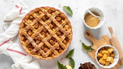 Pastane tarifiyle elmalı turta