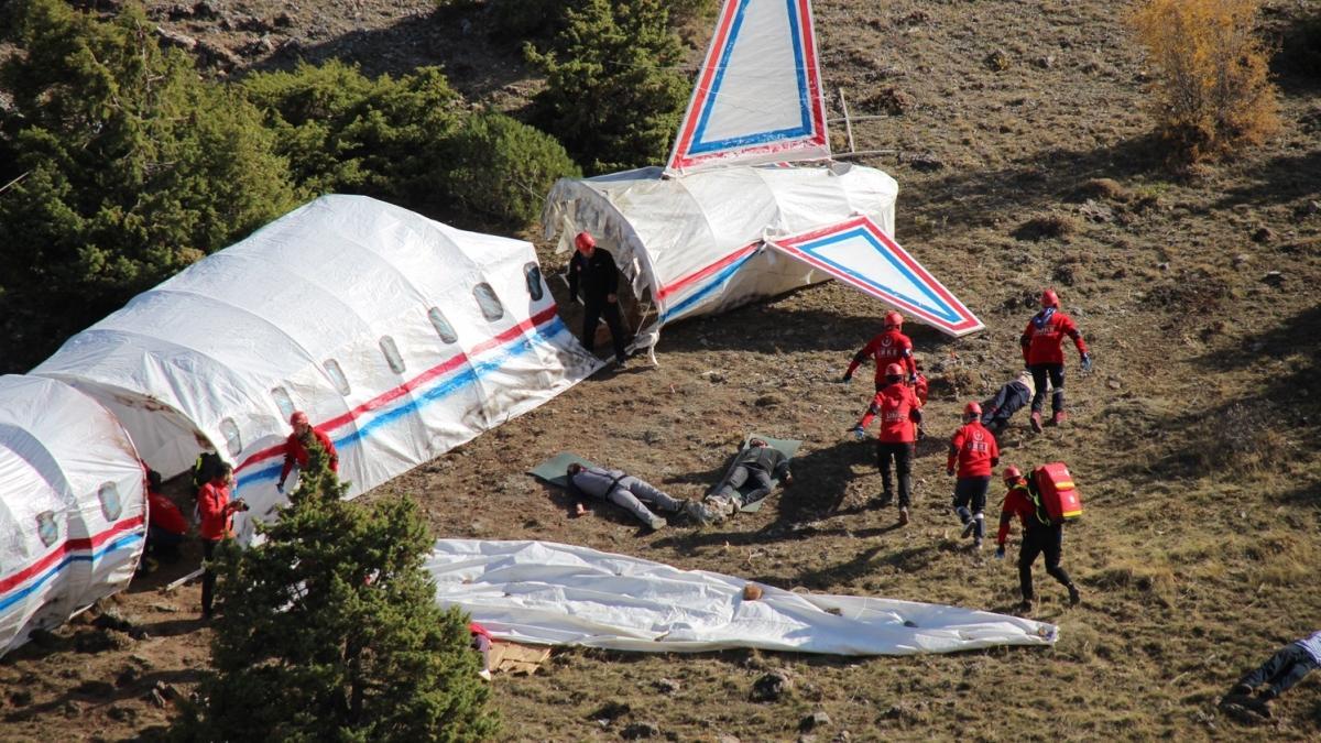 Konya'da uçak kazası tatbikatı