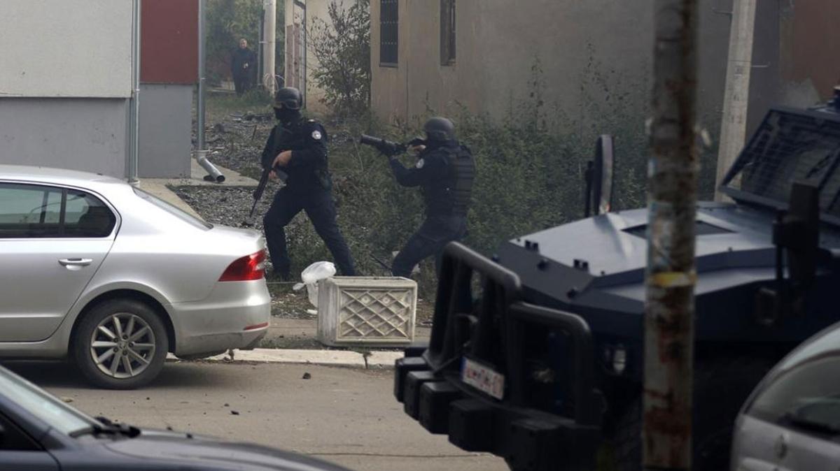 Kosova polisi Sırplarla çatıştı, 7 yaralı