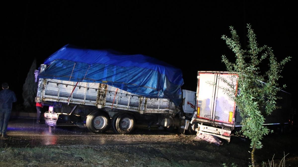 Uşak'ta tankerin çarptığı taksi sürücüsü yaşamını yitirdi