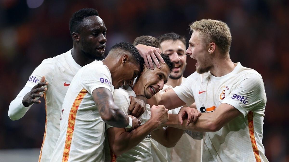 Galatasaray 22 günde 6 zorlu karşılaşmaya çıkacak