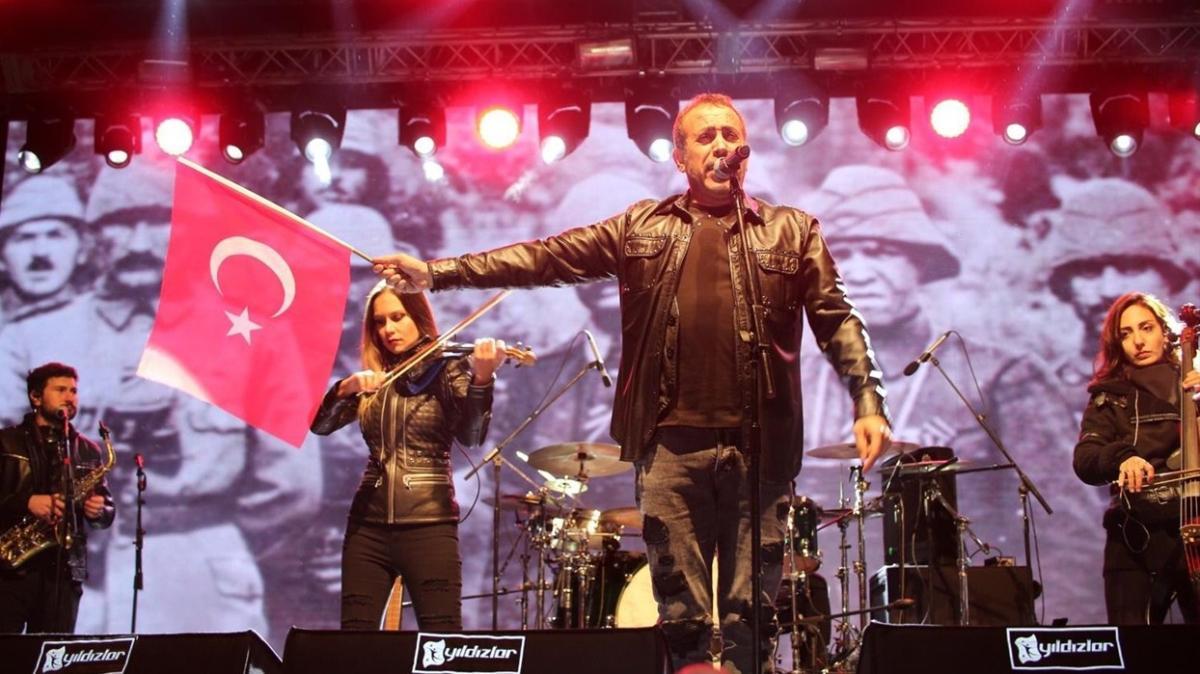 Haluk Levent konser verdi... Ankara'nın başkent oluşunun 98'inci yılını kutladılar
