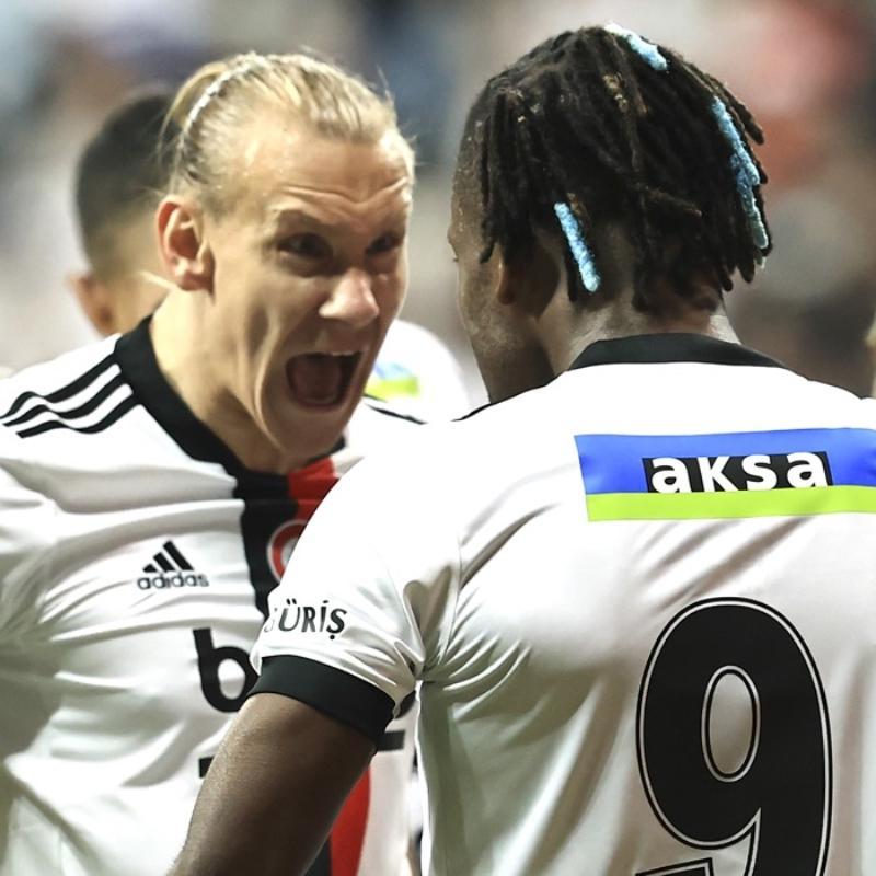 Beşiktaş'tan sözleşme açıklaması geldi! 3 oyuncuyla...