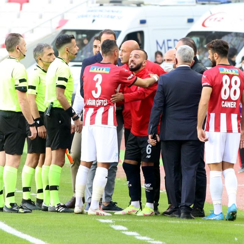 Antalyaspor cephesinden hakeme büyük tepki: Mete Kalkavan'la ilgili hikayemiz çok
