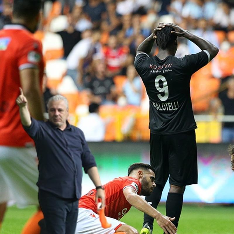 Olayların adamı bunu da yaptı! Sumudica'nın ilk maçında Balotelli'den çok konuşulacak hareket