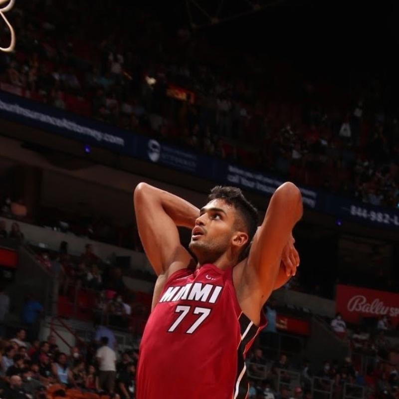 Miami Heat'ten son şampiyona 42 sayı fark! Ömer Yurtseven ilki yaşadı