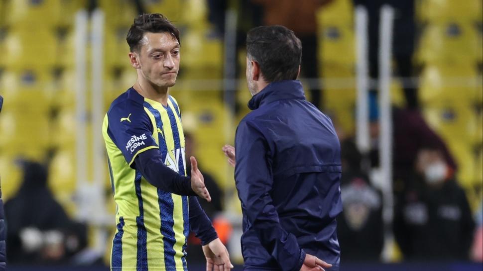 Maç sonu tazminat hesabı! Vitor Pereira ve Mesut Özil...
