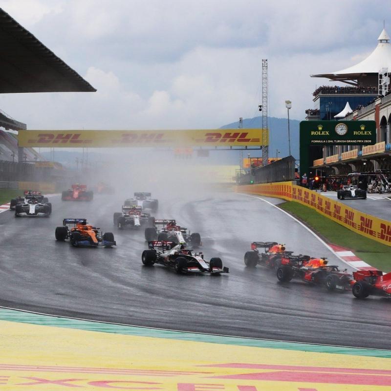 Max Verstappen ABD'de ilk sıradan başlayacak