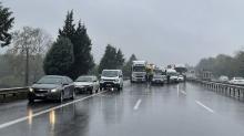 TEM'de 15 araç birbirine girdi! Yol kapandı...