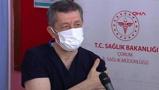 <p>Milli Eğitim Bakanı Ziya Selçuk, Çorum'da öğretmenlere aşı uygulaması programına katılarak korona