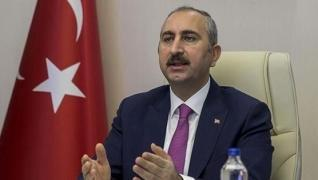 <p>Adalet Bakanı Abdulhamit Gül, İnsan Hakları Eylem Planı hakkında en temel unsurun hukuk güvenliği