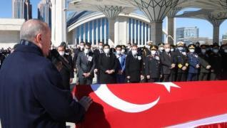 <p>Başkan Recep Tayyip Erdoğan, Bingöl'den kalkan ve Bitlis'in Tatvan ilçesinde kaza kırıma uğrayan