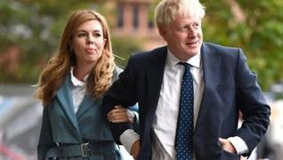 <p>İngiltere Başbakanı Boris Johnson'ın eşi Carrie Johnson, hamile olduğunu Instagram hesabından duy