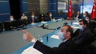 <p>Başkan Recep Tayyip Erdoğan, Devlet Bilgi Koordinasyon Merkezi'nde, orman yangınlarıyla ilgili to