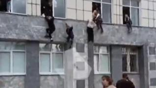 <p>Rusya'daki Perm Üniversitesi binasında silahlı saldırı gerçekleşti. Yaralıların ve ölülerin olduğ
