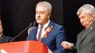 <p>CHP yine AK Parti seçmenini hedef aldı. CHP Ankara Etimesgut İlçe Başkanı Cemal Emir katıldığı bi