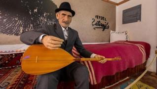 <p>Ünlü aşık, Anadolu ozanı Aşık  Veysel'in türküleri nesilden nesile dillerde oldu, olmaya da devam