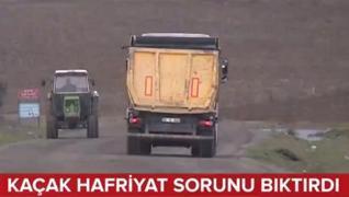 <p>Hafriyat kamyonları İstanbul  Arnavutköy'de bir mahallenin kâbusu oldu. Kasalarındaki molozları d