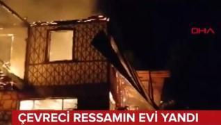 <p>Evi alev alev yandı. Tabloları küle döndü. O, gözyaşları içinde basın açıklaması yaptı.</p><p>Ola