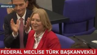 <p>Almanya'da önemli bir ilk yaşandı. Türk  kökenli bir milletvekili, ilk kez federal mecliste başka
