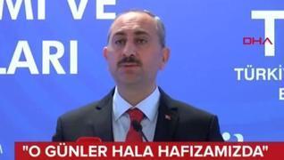 <p>28 Şubat zihniyetinin Türkiye'ye  yaşattıklarını hatırlattı. Ayrımcılığın nefret suçu olduğunu vu