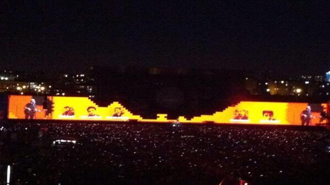 Roger Waters İstanbul'da duvar yıktı