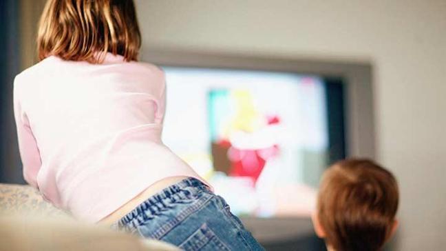 Çocuklarla televizyon seyretmek!