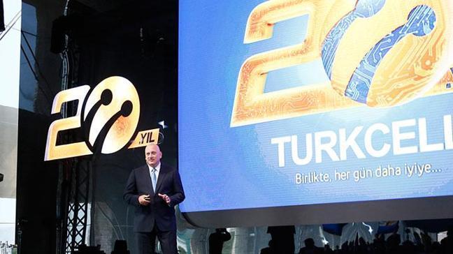 Turkcell mobil ve fiber internetle büyüdü
