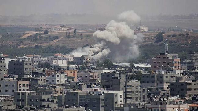 Gazze'ye yoğun bombardıman