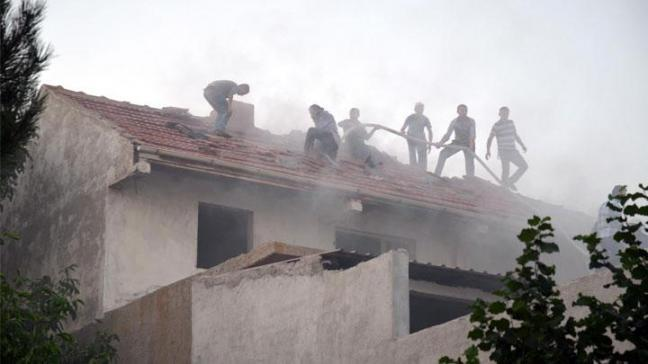 Belediye Başkanı Ünsal'ın evi yandı