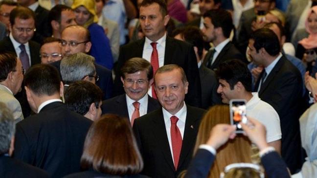 Tarihi kongrede Ahmet Davutoğlu Genel Başkan seçildi