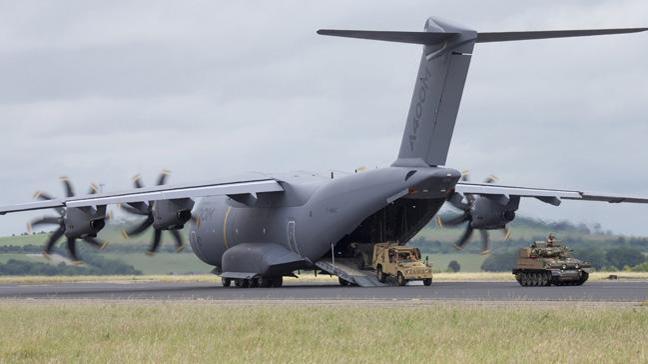 Airbus'tan bir günde iki A400M teslimatı