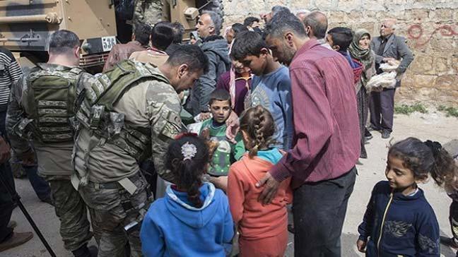 Afrin'liler, kendilerini zorla silah altına almak isteyen örgütten kaçmak için başka ülkelere gitti