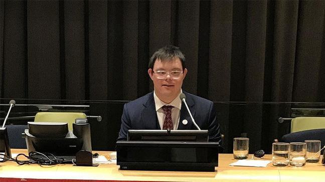 BM'de konuşan down sendromlu Türk alkış aldı